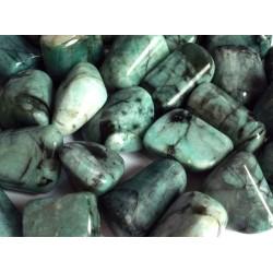 1 x Large Emerald Tumblestone