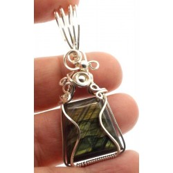 Labradorite Gemstone Silver Filled Wire Wrapped Pendant 08